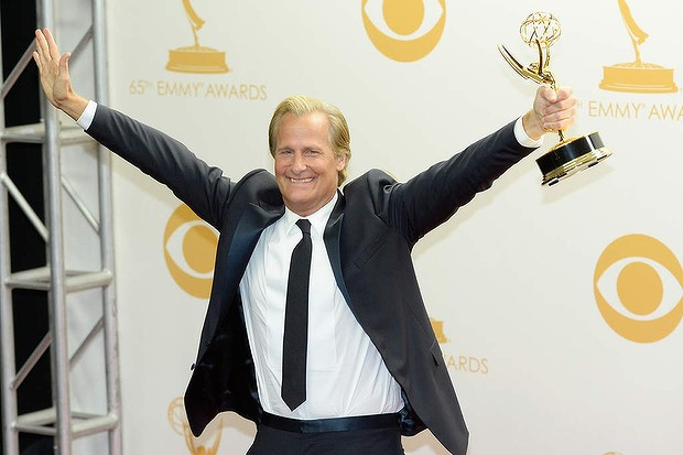 Source: http://www.theage.com.au/entertainment/box-seat/breaking-bryan-jeff-daniels-shock-win-over-bryan-cranston-at-the-emmys-20130923-2u9mq.html